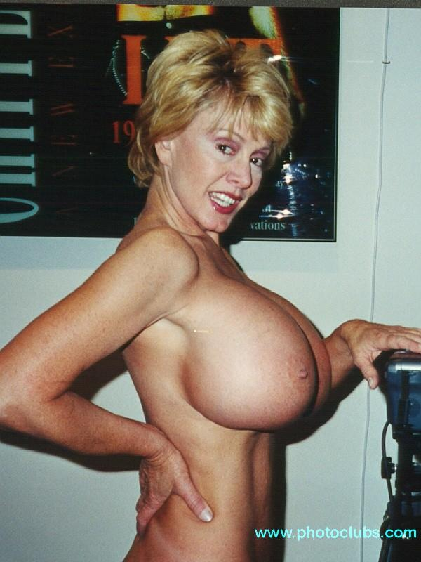 Chelsea charms tits